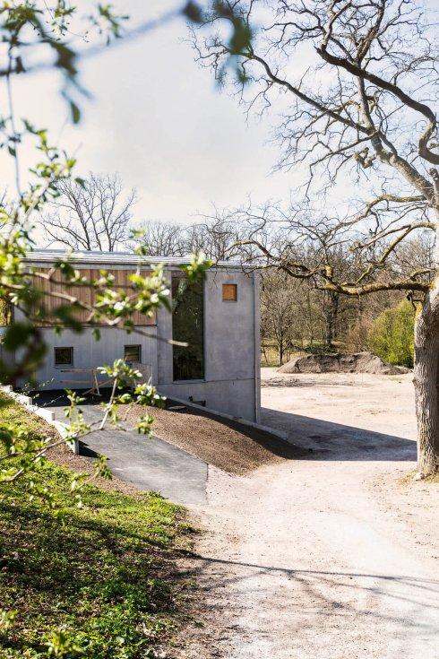 Andrum är det mångbottnade och passande namnet på Åkersbergs stiftsgårds nybyggda spa i Höör. Det var ett av 140 namnförslag som styrelsen fick in och stod som slutlig segrare efter en omröstning på Facebook.