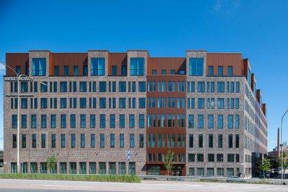 Strängbetong har levrerat kontorsbyggnaderna Sickla Front II.