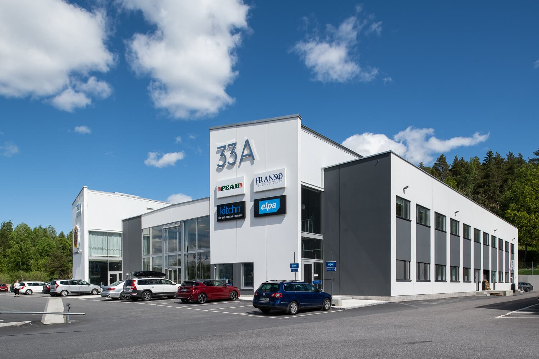 Stränghbetong har levererat hallar som används som kontor i Södertälje,